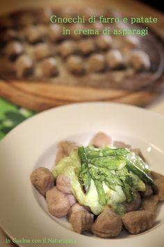 Gnocchi+di+farro+e+patate+bio+in+crema+di+asparagi,+idea+per+il+pranzo+di+Pasqua