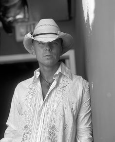 Kenny Chesney over n over Kenny Male Country Singers, Country Music Artists, Minions, Kenney Chesney, No Shoes Nation, Jake Owen, Thomas Rhett, Chris Young, Jason Aldean