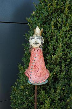 Gartendekoration - Zaunhocker-Prinzessin-Lolu - ein Designerstück von Kunst-und-Keramik bei DaWanda