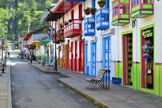 Salento, Colombia. Colección fotográfica de la Unidad Especializada en Ortopedia y Traumatologia www.unidadortopedia.com PBX: +571-6923370, Móvil: +57-3175905407, Bogotá, Colombia.