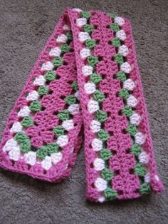 Crochet Gifts, Crochet Baby, Free Crochet, Knit Crochet, Crochet Home, Crocheted Scarf, Shrug Knitting Pattern, Knitting Patterns, Crochet Squares