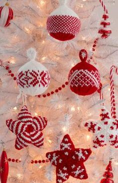 Holiday Stars and Balls Ornaments Free Christmas Knitting Pattern from Red Heart Yarns Pattern in Documents as Holiday Stars & Balls Ornaments Knitted Christmas Decorations, Knit Christmas Ornaments, Christmas Balls, Handmade Christmas, Christmas Crafts, Christmas Patterns, White Ornaments, Christmas Tree, Ball Ornaments