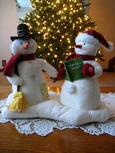 Hallmark 2003 Animated Musical Jingle Pals Mr and Mrs Snowman Couple