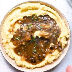 Vegan Mashed Potatoes, Mashed Potato Recipes, Vegan Recipes With Potatoes, Vegan Mushroom Gravy, Vegan Gravy, Vegan Recipes Easy, Whole Food Recipes, Cooking Recipes, Recipes