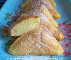 Simply Sweet 'n Savory: Vanilla Triangle Cake (In a Sandwich-maker) & Award