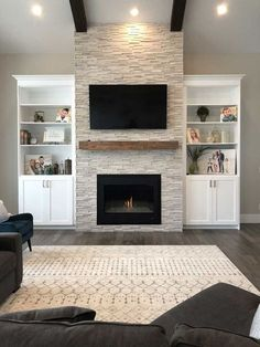 New DIY Fireplace Ideas – Farmhouse Fireplace Mantels Fireplace Built Ins, Home Fireplace, Living Room With Fireplace, Fireplace Ideas, Stone Fireplace Makeover, Stacked Stone Fireplaces, Modern Stone Fireplace, Basement Fireplace, Tv Over Fireplace