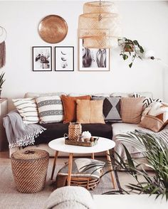 Images and videos of home decor – A mix of mid-century modern, bohemian, and industrial interior style. Home and apartment decor, Decoration Inspiration, Decor Ideas, Boho Ideas, Decoration Pictures, Design Inspiration, Diy Ideas, Boho Living Room, Cozy Living, Living Room Pillows