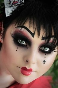 Queen of hearts, Alice in Zombieland inspiration. This Queen of hearts is too fresh and clean to be a zombie, but with blood and wounds, could be very creative.