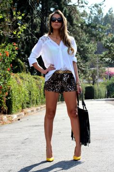 #fashion #fashionista Vanessa bianco fantasia Look com shorts | Decor e Salto Alto