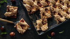 Placek ze śliwkami i bezą. Kuchnia Lidla - Lidl Polska. #lidl #Paweł #beza #plums