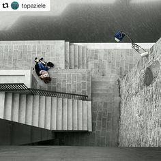 #Repost @topaziele | Amore a Venezia. #OO #HuaweiP9 #HuaweiP9Plus  #ChangeTheWayYouSeeTheWorld #ReinventSmartphonePhotography