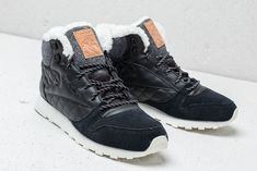 dbbd433ac49d2 Reebok Classic Leather Arctic Boot Black  Chalk  Camel  Pink на отлична  цена 238 лв купете в Footshop