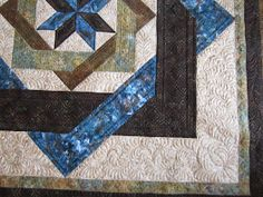 Sue Daurio's Quilting Adventures: Labyrinth Done - updated Arm Machine, Machine Quilting, Labrynth Quilt Pattern, Labyrinth Walk, Celtic Quilt, Quilting Designs, Quilting Ideas, Custom Quilts, Background Patterns