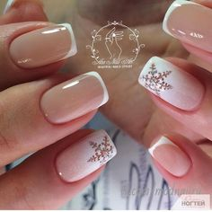 Nail art is a very popular trend these days and every woman you meet seems to have beautiful nails. It used to be that women would just go get a manicure or pedicure to get their nails trimmed and shaped with just a few coats of plain nail polish. Snow Nails, Xmas Nails, Holiday Nails, Winter Nails, Simple Christmas Nails, Christmas Nails 2019, Christmas Snowflakes, French Nails, French Manicures