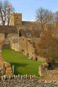 COTSWOLD VILLAGE.    Hazleton Gloucestershire.