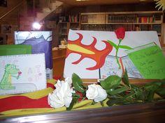Exposem a la biblioteca els treballs de Sant Jordi 2012