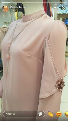 Kurti Sleeves Design, Sleeves Designs For Dresses, Dress Neck Designs, Sleeve Designs, Kurti Designs Party Wear, Kurta Designs, Blouse Designs, Abaya Fashion, Muslim Fashion