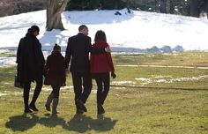 Pin for Later: 32 Times the Obamas Bonded During Their Family Vacations  The whole family walked across the South Lawn of the White House on Dec. 24, 2009 to jet off to Hawaii for Christmas and New Year's Day.