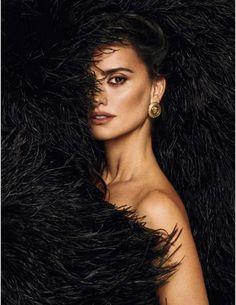 Penélope Cruz for Elle España // 2018 photographed by Xavi Gordo