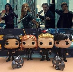 Demon hunting in the streets of New York. Shadowhunters Tv Show, Shadowhunters The Mortal Instruments, Cassandra Clare, Clary Et Jace, Clary Fray, Alec Lightwood, Isabelle Lightwood, Cassie Clare, Clace