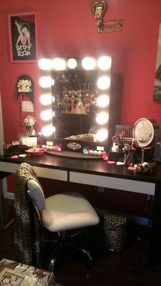 Vanity Girl Hollywood! I want this!!