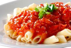 Подлива ко всем блюдам - правильные рецепты. Как правильно готовить подливу к макаронам, гречке, рису, пюре, котлетам - томатную, мясную, грибную, куриную в домашних условиях. Подробный перечень ингредиентов и пошаговое описание процесса приготовления подливы из муки, печени, говядины.