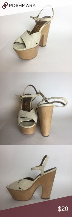Sam Edelman Platforms Faux snake skin platforms. Really comfortable and easy to walk in because of the platform style. Comfortable straps that wont cause blisters. Only worn once to a baby shower. Like new! Perfect for sun dresses. ☀️ Sam Edelman Shoes Platforms
