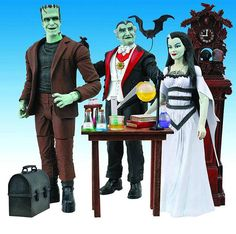 The Munsters: Charity House Tour and New Figures - Daily Dead The Munsters, Munsters Tv Show, Yvonne De Carlo, Divas, Halloween Doll, Halloween Music, Barbie Collection, Geek Gifts, Princesas Disney