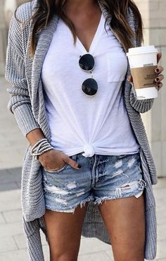 45 Amazing summer outfits to get ASAP - Kleidung für Frauen - Fashion Outfits Mode Outfits, Fashion Outfits, Fashion Ideas, Fashion Shorts, Blazer Fashion, Sweater Fashion, Fashion Clothes, Athleisure Fashion, Fashion 2018
