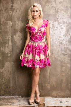 4194edaf8be4 Οι 344 καλύτερες εικόνες του πίνακα Φορέματα