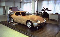Wheeler Dealers restores a BMW Bmw Z1, Concept Bmw, Wheeler Dealers, Lamborghini Miura, Car Design Sketch, Photo P, Bmw Cars, Transportation Design, Car Car