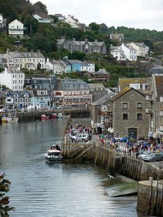 Looe, Cornwall, South West England, UK. * Many travelers' favorite place in Cornwall.