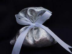 bomboniere ricamate di sara: bomboniera anniversario matrimonio