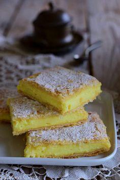 Trifle yogurt, cherries and speculoos - Healthy Food Mom Gourmet Recipes, Cake Recipes, Italian Cake, Good Food, Yummy Food, Romanian Food, Food Film, Trifle, Easy Cooking