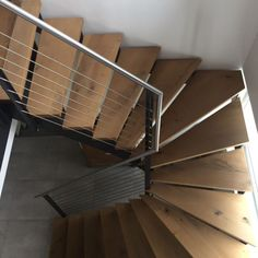 Wendeltreppe in München - Jakob Haider Metall +Gestaltung - Metallbau, Überdachungen, Treppenbau, Metalltreppen, Geländer,Gartengestaltung, Carports und Schmiedearbeiten