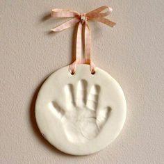 Faça você mesma: Molde das mãos e pés do bebê