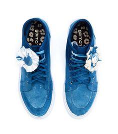 Image from http://gm-prod-cdn.s3.amazonaws.com/catalog/product/cache/1/image/9df78eab33525d08d6e5fb8d27136e95/s/n/sneaker-diy-mmf_white.jpg.