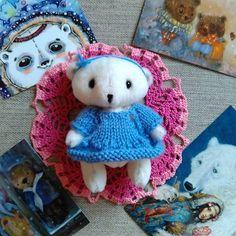 Автор: @mebvediha  Ставь #toys_gallery и твоя игрушка попадет в наш каталог! Теперь есть и платные публикации - 100руб. Рукодельные малыши ищут новый дом и любящую мамочку ? Добро пожаловать на площадку аукционов => @kupi_handmade_  #handmadedoll #handmade #кукла #кукларучнойработы #dolls  #doll #handmade #кукла #куклаизткани #куклаинтерьерная #ангел #уют #интерьер #интерьернаякукла #кукланазаказ #amigurumi #crochettoy #амигуруми #интерьернаякукла #текстильнаякукла #тильда #тильдамания…