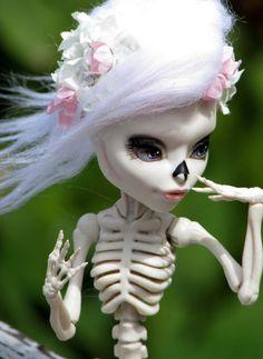 Monster High OOAK Dahlia Skelita by SunisCustomCreations on Etsy