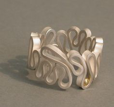 squiggle jewellery by Hanan Emquies Could be done in pc Metal Clay Jewelry, Wire Jewelry, Jewelry Art, Jewelry Rings, Jewelry Design, Fabric Jewelry, Beaded Jewelry, Handmade Silver Jewellery, Handcrafted Jewelry