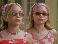 The Olsen Twins Revisited: 'Our Lips Are Sealed,' 'Winning London,' 'Holiday in the Sun,' and 'When In Rome' - stranger - Nickelodeon is kicking off a run of the twins' feature length jamborees including & Lips - Aesthetic Collage, Aesthetic Vintage, Aesthetic Fashion, Pink Aesthetic, Look Fashion, 90s Fashion, 2000s Fashion Trends, Aesthetic Outfit, Celebrities Fashion