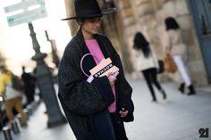 #EvaFontanelli & her hat. Paris. #Le21eme