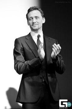 Tom Hiddleston via quoyleacoilofrope.tumblr.com