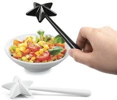 Fairy Wand Salt and Pepper shakers.. Cute :) Sprinkle a little magic on modern salads, etc., with these salt and pepper wands. Cool design
