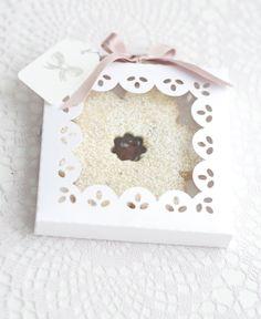 linzer cookie box