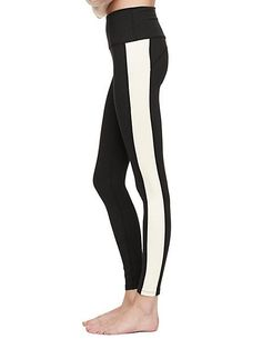 our high waist tuxedo long legging are just as right for the workout as they are for the post-yoga adventures. @BEYOND YOGA