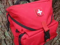 What to Keep in Your Emergency First Aid Kit