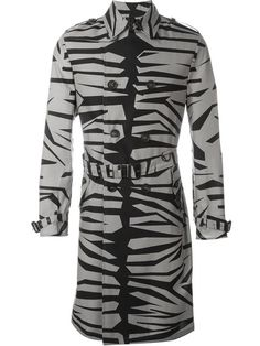 BURBERRY Printed Trench Coat. #burberry #cloth #coat
