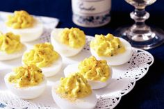 Recept - Gevulde eieren - Allerhande Filled eggs the Dutch way so yumm! Recipes Appetizers And Snacks, Snacks Für Party, Brunch, Fingers Food, Dutch Recipes, High Tea, Food Inspiration, Love Food, Food And Drink