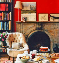 Sofas in dem Stil, wären klasse Bilder auf den ein Regal stellen - macht gemütlich Beistelltischchen mit Lampe drauf